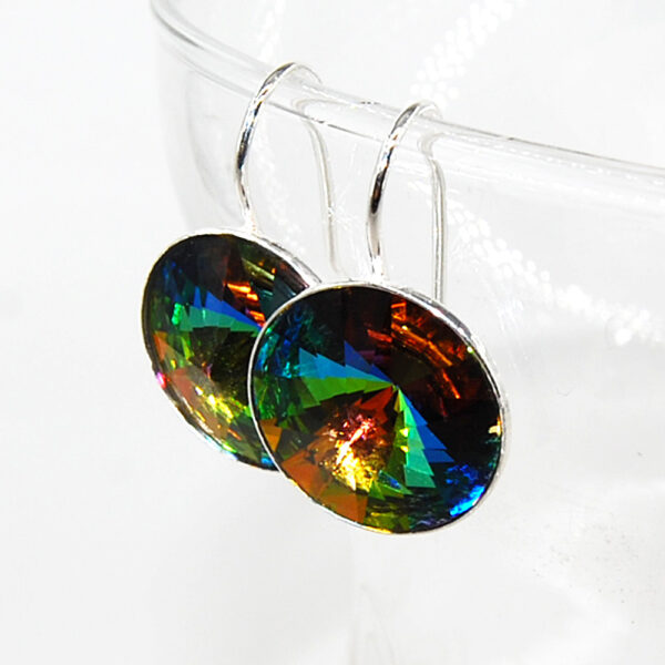 Orecchini in argento 925 e cristalli Sw #orecchiniargento925 #orecchinicristalli #orecchiniluminosi #orecchiniquisikrea