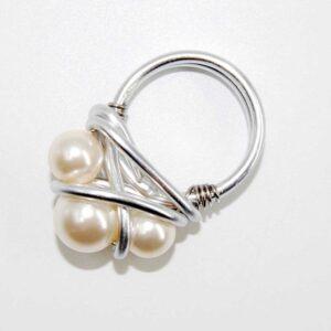Anello realizzati in tecnica wire con filo in alluminio e perle Swarovski, base non regolabile, misura 18