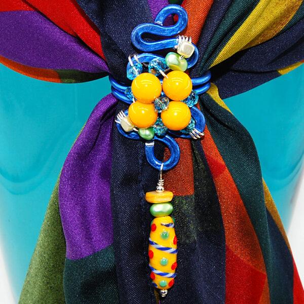 Ferma-foulard con perle lisce in vetro