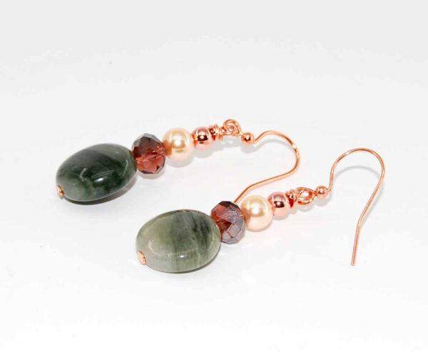 Orecchini con dischi in agata sfumata, perle Sw, cristalli, perline in ematite #orecchiniquisikrea #orecchiniclassici #orecchiniconperle
