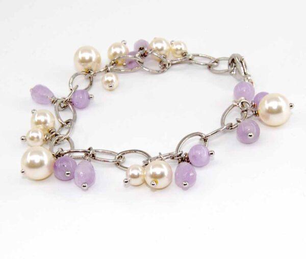 Bracciale con perle, perle e gocce in ametista lavanda, catena saldata e lunghezza variabile #braccialeconpendenti #braccialequisikrea #ametistaeperle