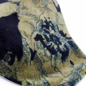 Mascherina civile in velluto liscio e fodera in cotone 100%: filtro interno, lavabile a 40 gradi e riutilizzabile, taglio ergonomico per aderire perfettamente al volto, copre il mento ed il naso e lascia libera la visuale grazie alla forma scavata sotto gli occhi, elastico morbido. #mascherinecivili #mascherinelavabili #mascherinafashion #mascherinaquisikrea