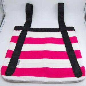 La shopping bag che si trasforma in zaino in un lampo. Misura 45 cm x 45cm e sono in tessuto canvas con bretelle in tessuto sintetico per garantirne la scorrevolezza. #shoppingbag #accessoriquisikrea#accessoriintessuto