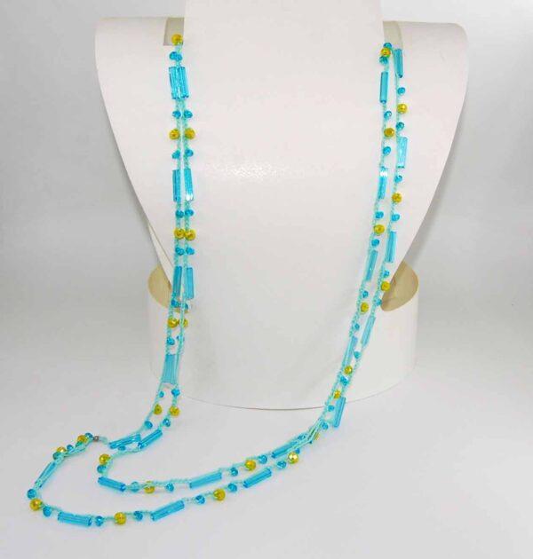 Collana uncinetto con perle in vetro turchesi