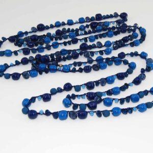 Collana lunga con perle blu