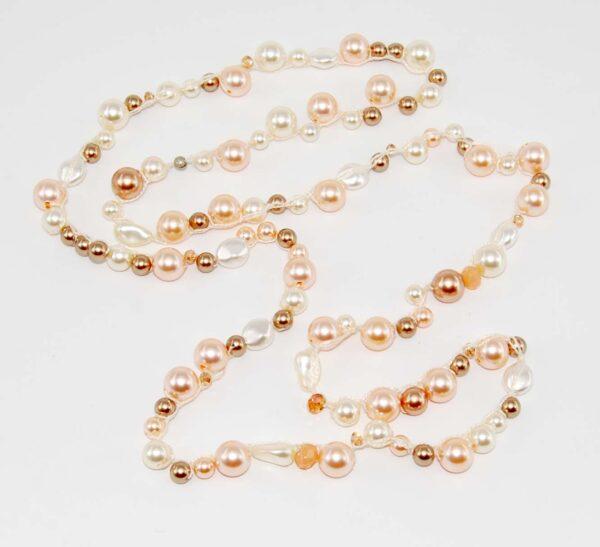 Collana di perle in tre sfumature